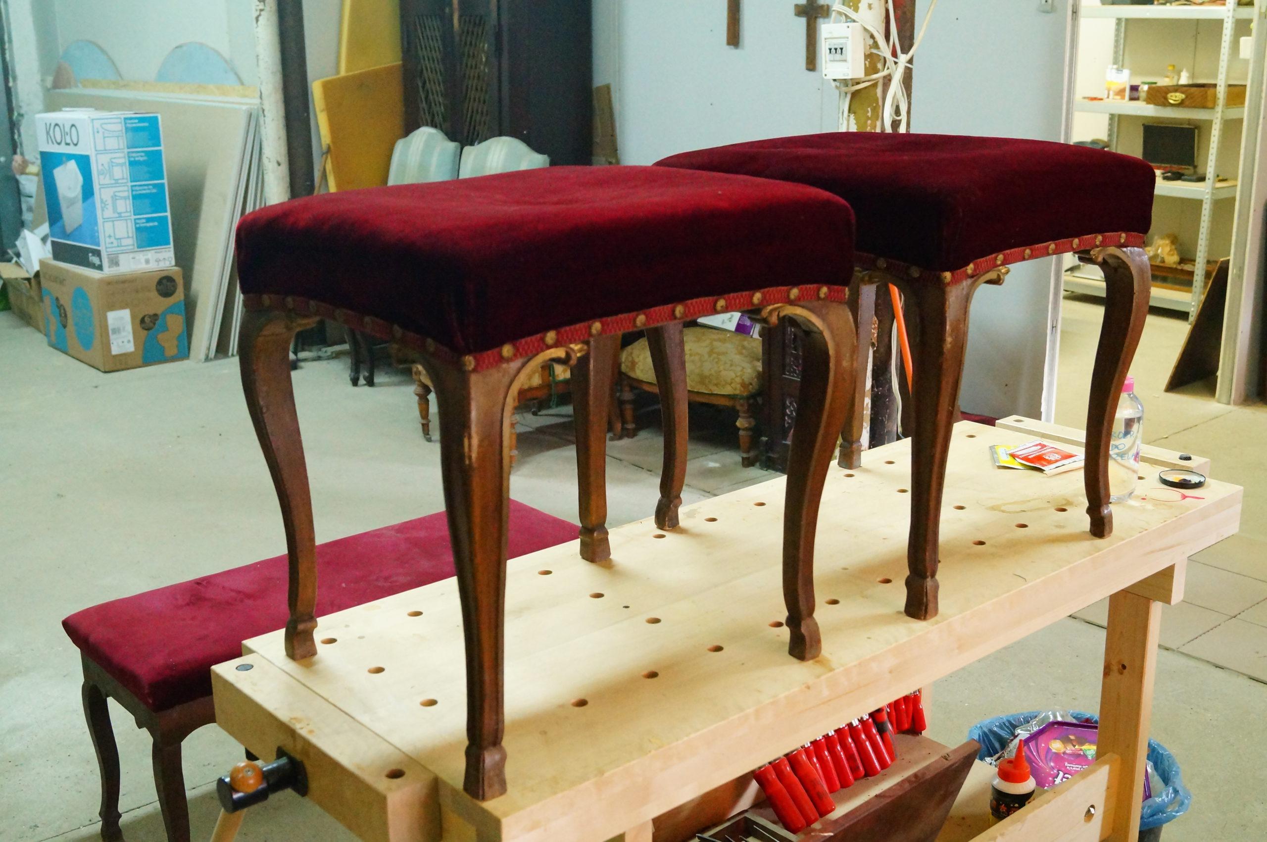 odnowienie siedzisk, renowacja pufek, renowacja antyków
