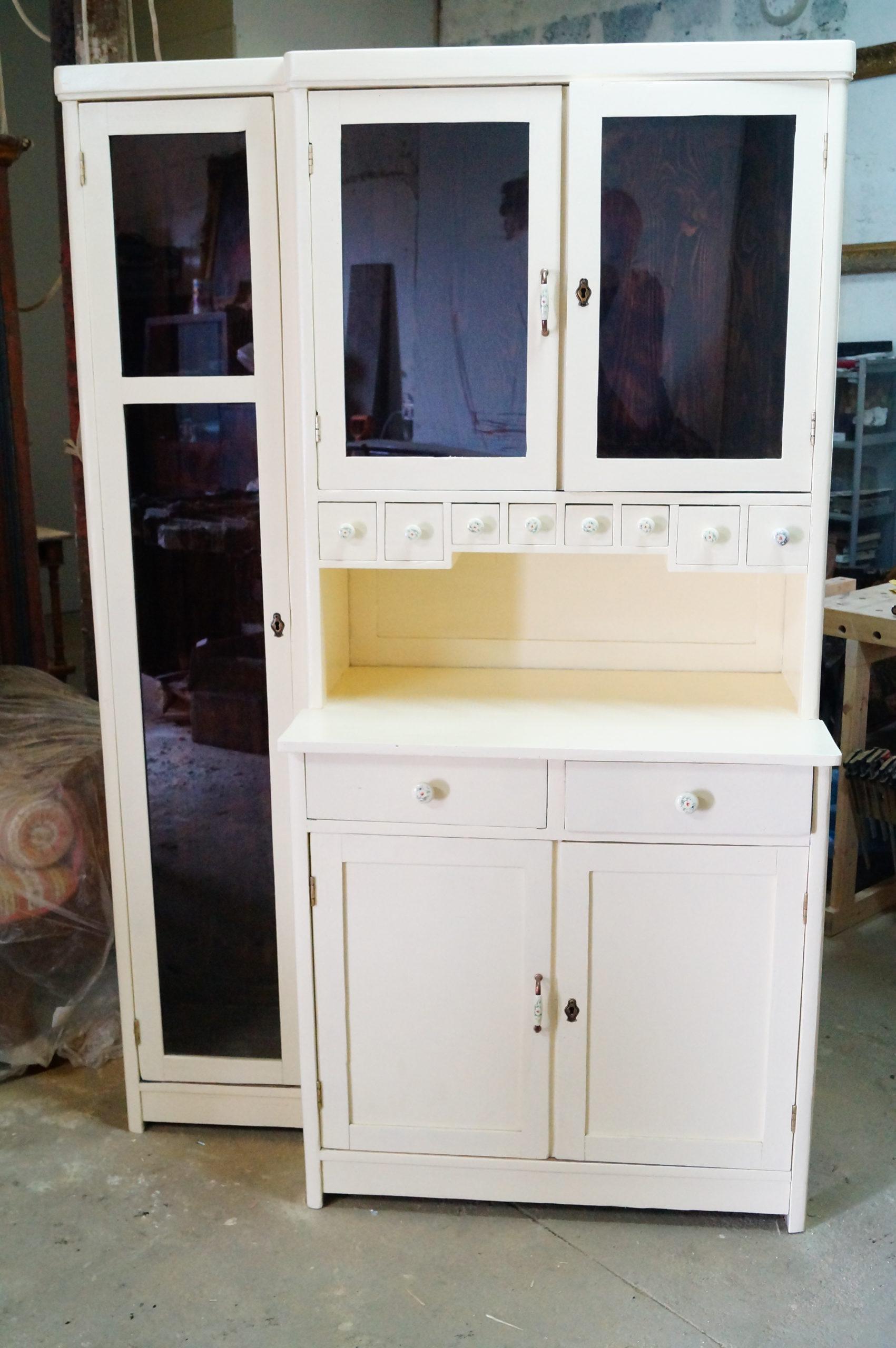 renowacja kredensu kuchennego, odnawianie mebli